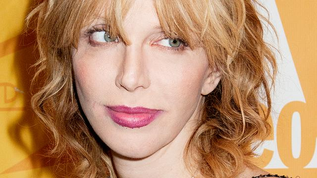 Saillante details in boek over Courtney Love