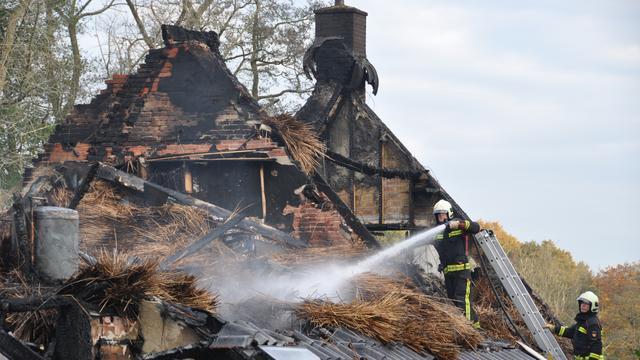 15 rechercheurs onderzoeken branden Drenthe