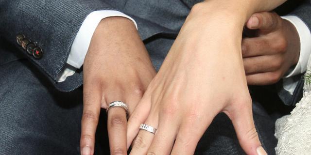 Jongetje van 8 trouwt met vrouw van 61