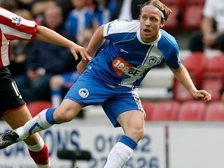 Wigan vreesde in eerste instantie voor een gebroken been voor de voormalig verdediger van FC Twente en NAC.