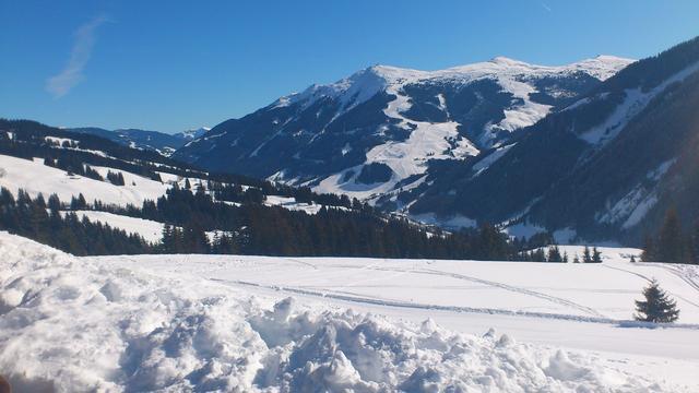Uitgeputte snowboarders gered van berg Lech