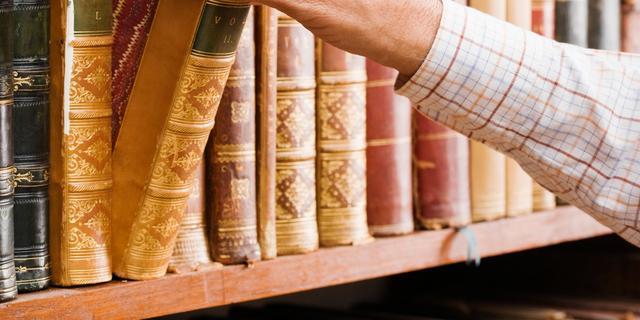 Verzinsels in boek over Nuenense arts