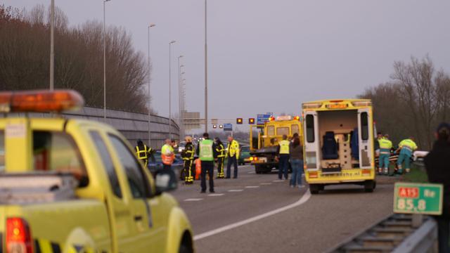 A15 weer open na ongevallen