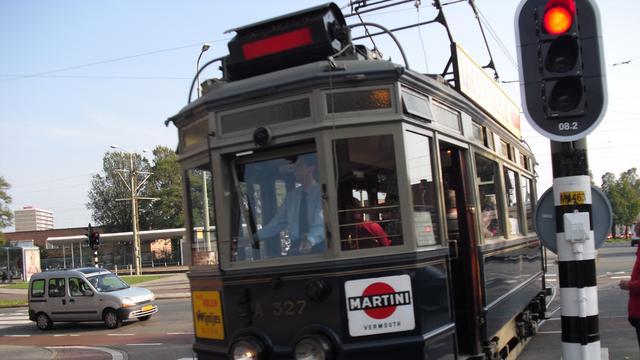 Vrouw overvalt tram 'voor de grap'