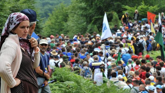 Moslims dreigen Srebrenica te verlaten