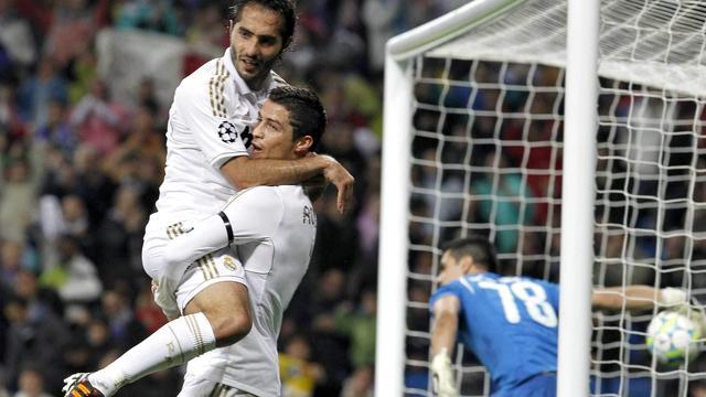 Real Madrid wint opnieuw met ruime cijfers van Apoel Nicosia