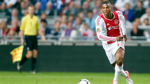 Ajax houdt basiself intact, Real met Kaka
