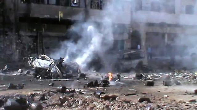 Homs zwaar onder vuur