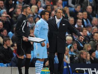 De spits, die sinds september niet meer speelde voor City, geeft de assist op de winnende treffer van Nasri.
