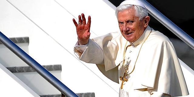 Paus haalt opnieuw uit naar homo's