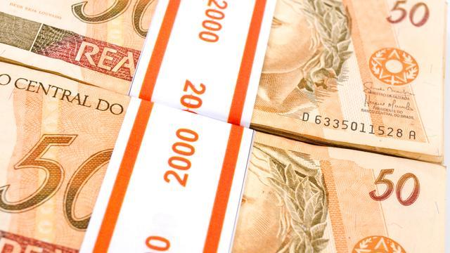 'Banken bevriezen bonussen valutahandelaren'
