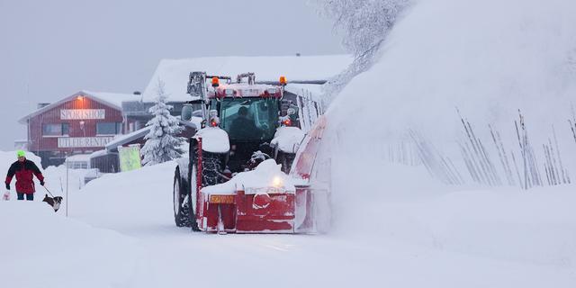 Zweed overleeft maanden onder sneeuw