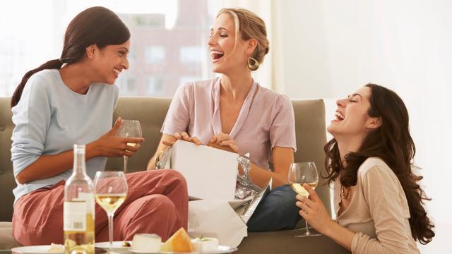 Een op de drie vrouwen is liefst bij vriendinnen
