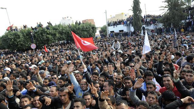 49 politieagenten gewond bij rellen Tunesië