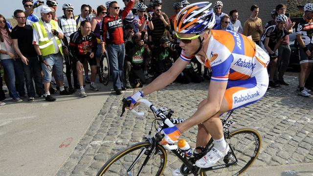 Oranje getinte Raboploeg in Parijs-Roubaix