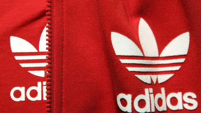 Sterke verkopen stemmen Adidas positiever