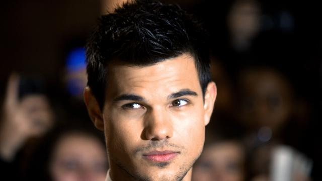 Twilight-ster Taylor Lautner in Grown Ups 2