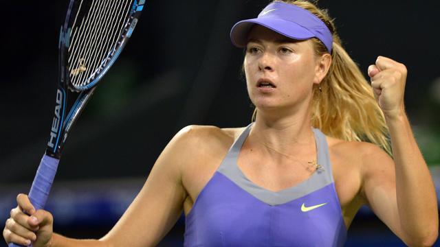 Azarenka, Sjarapova en Radwanska naar kwartfinale Tokio