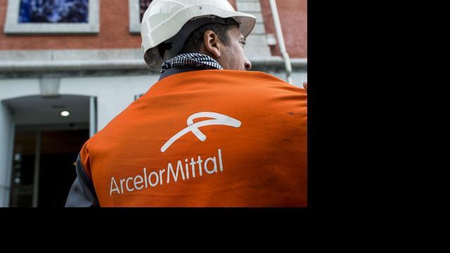 S&P verlaagt rating Arcelormittal