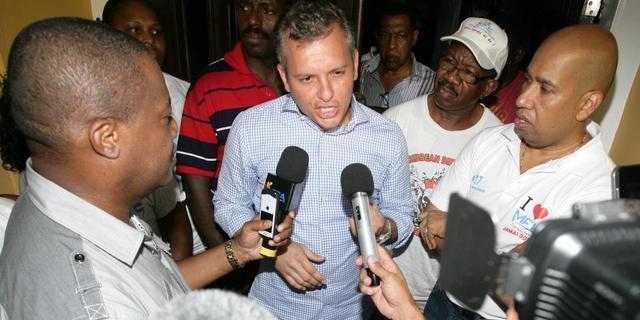 Ex-premier Curaçao verlaat Fort Amsterdam