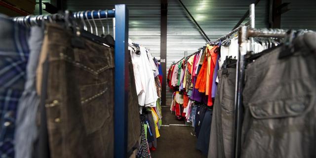 Textielketen Henk sluit winkels
