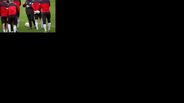 Advocaat zet Bouma linksback tegen Napoli