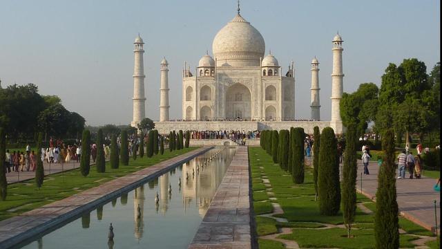 Dubai bouwt grote kopie Taj Mahal