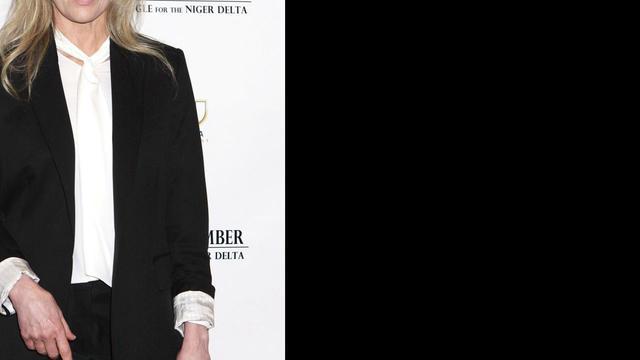 Kim Basinger tekent bij modellenbureau