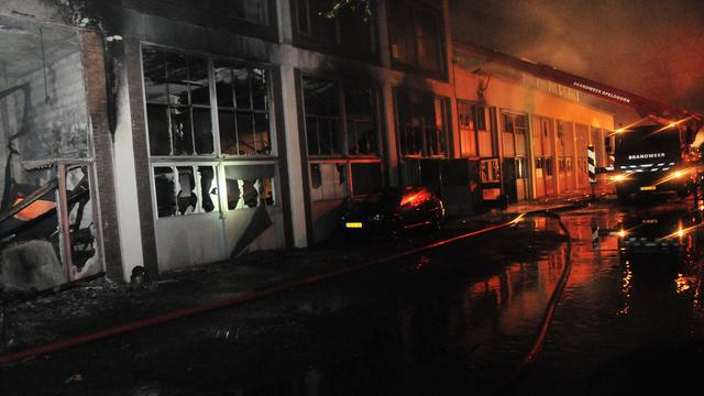 Grote brand in loods Deventer