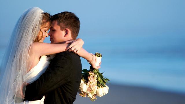 'Kans op scheiding groter bij dure bruiloft'