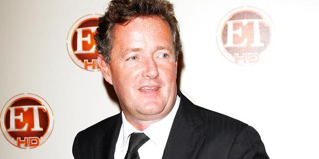 Piers Morgan zag blote borst Sharon Osbourne