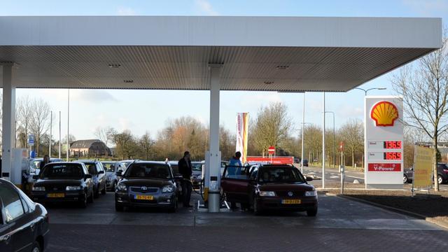 Benzine weer cent duurder