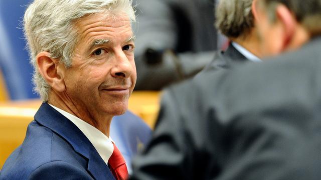 Plasterk noemt verlaten euro illusie