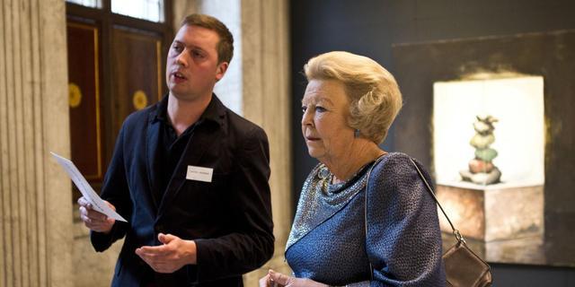Koningin reikt prijzen uit voor 'crisiskunst'