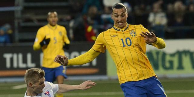 Ibrahimovic schiet Zweden langs Faeröer Eilanden