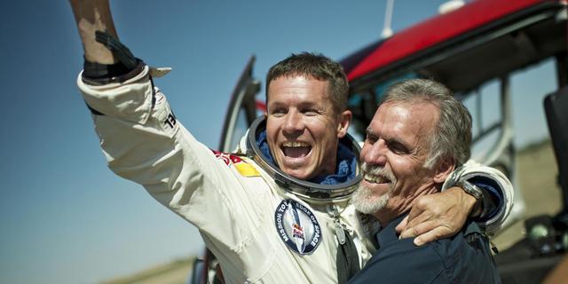 Felix Baumgartner maakt recordsprong