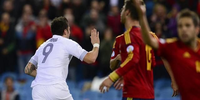 Frankrijk in blessuretijd naast Spanje