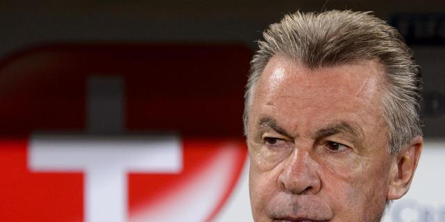 FIFA stelt onderzoek in naar middelvinger Hitzfeld