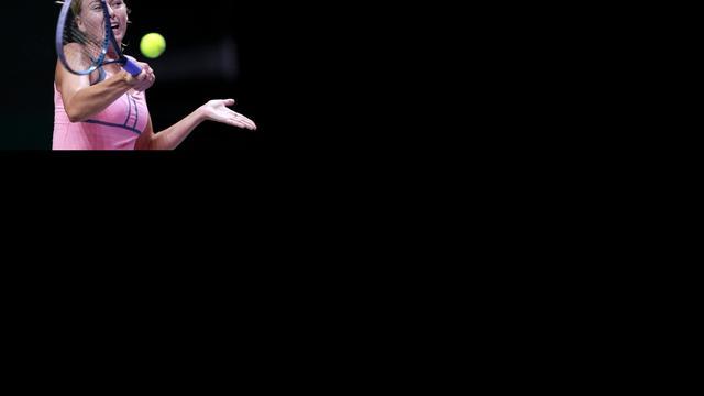 Sjarapova en Serena Williams winnen bij WTA Championships