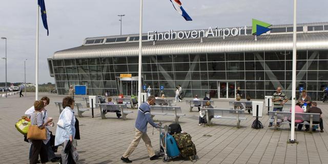 Mist hindert vliegtuigen Eindhoven Airport