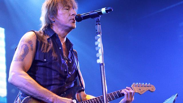 Bon Jovi beperkt vrijheid gitarist Sambora