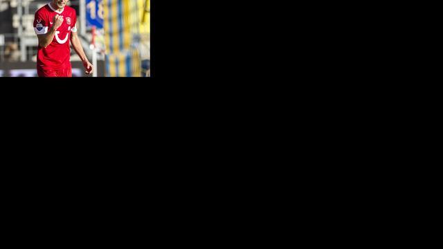 Twente blijft eerste, Heracles in spektakelstuk langs Heerenveen