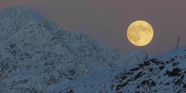 Nederlandse snowboarders gered na nacht in Alpen