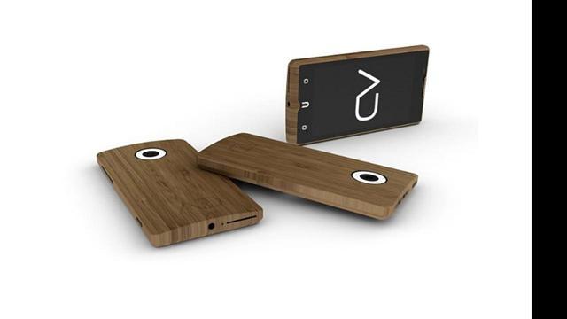 Bedrijf steekt quadcore-smartphone in bamboejasje