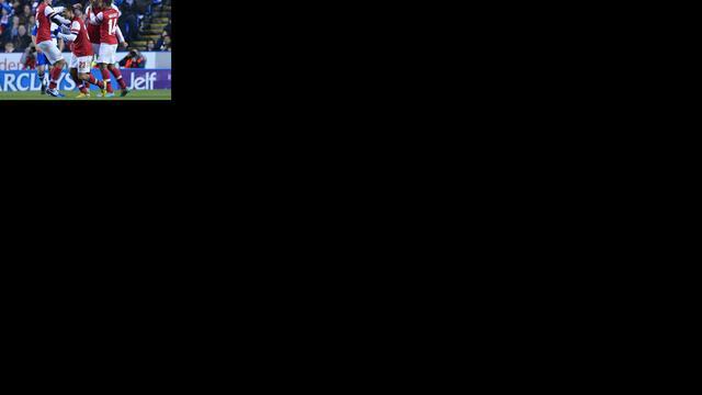 Arsenal wint knotsgek duel, Nederlanders scoren voor Schalke 04