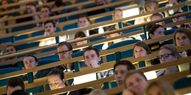 Universiteit over tien jaar 'schoolser'