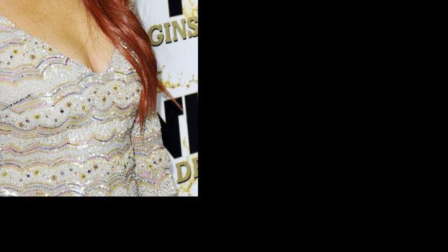 Boom valt op dak familiehuis Lindsay Lohan