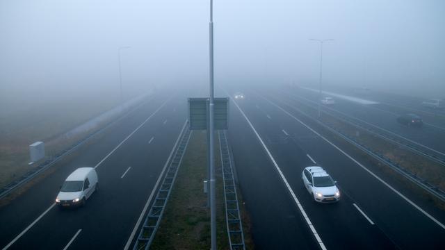 Verkeer op Drents deel A28 gestremd om bouw ecoduct