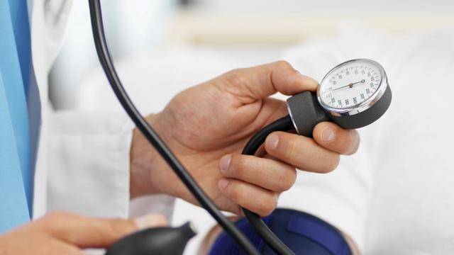 Eerder hersenveroudering door hoge bloeddruk