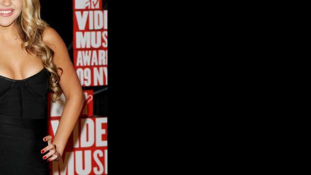 Amanda Bynes klaagt tijdschrift In Touch aan